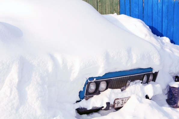 stockvault-snow-covered-car154598.jpg